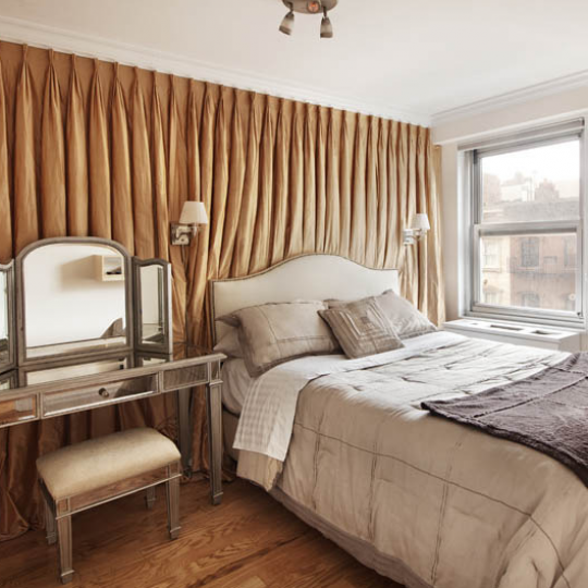 Bedroom Gramercy Park Towers - Luxury Apartments
