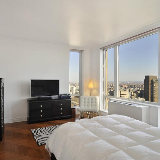Bedroom - Bridge Tower Place - New York Condos