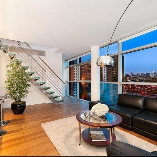 Chelsea Modern Livingroom – Manhattan Condos for Sale