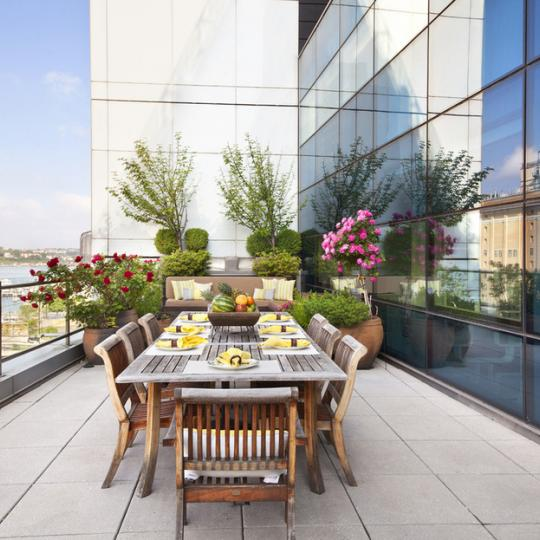 Chelsea Modern Terrace – Manhattan Condos for Sale