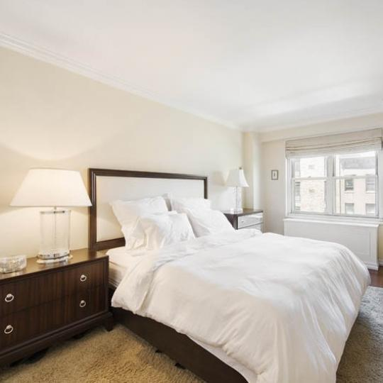 Apartments for sale at 220 East 60th Street in Manhattan - Bedroom