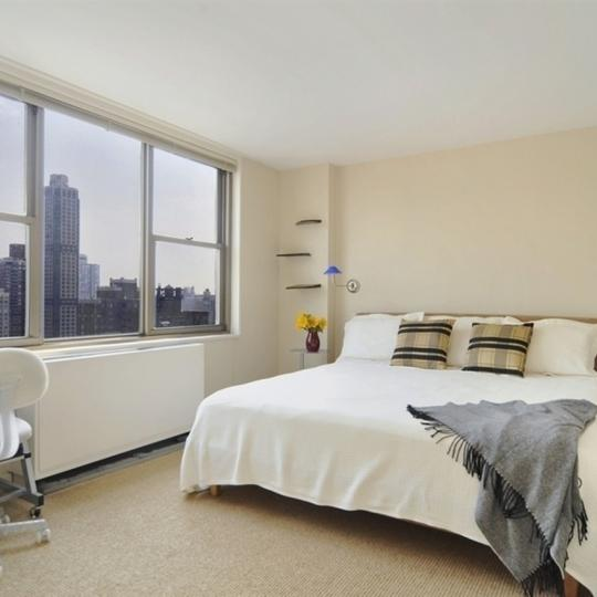 Bedroom - Continental Towers - Manhattan Condo