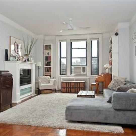 Avonova New Construction Building Bedroom – NYC Condos