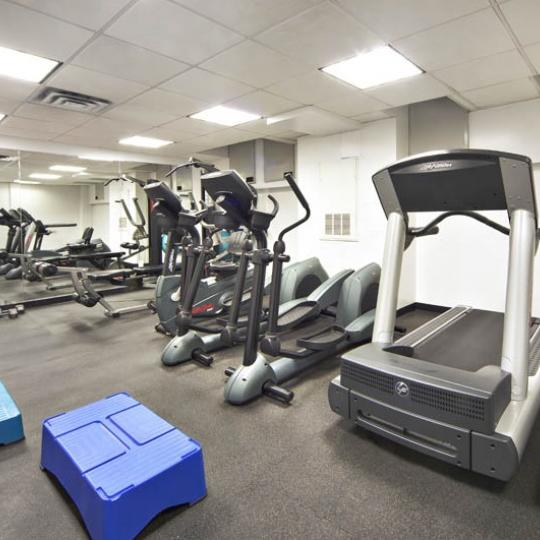 Wide variety of amenities at 250 East 30th Street