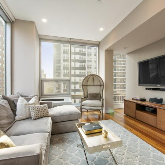 Gramercy 19 Lliving room - 148 East 19th Street Condos for Sale