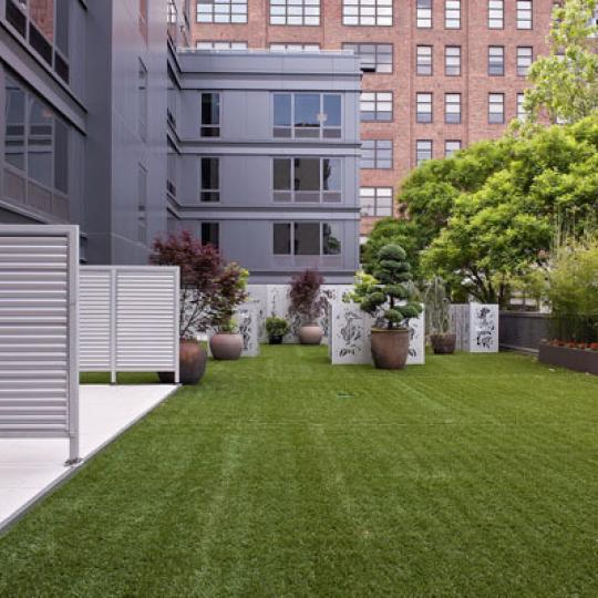 Garden at 305W16 - NYC Condominiums for Sale