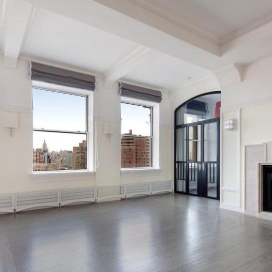 The Forward Building - Inside - 175 East Broadway Condos for Sale