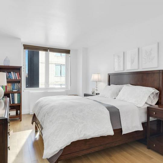 212 East 47th Street Bedroom - Manhattan Condos for Sale