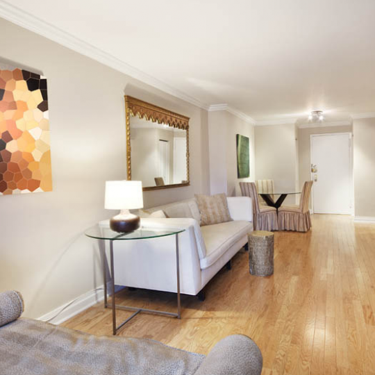 Gramercy Park Towers Apartment for Sale - Living room