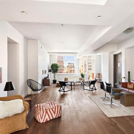 123 Baxter Street in Little Italy - Livingroom