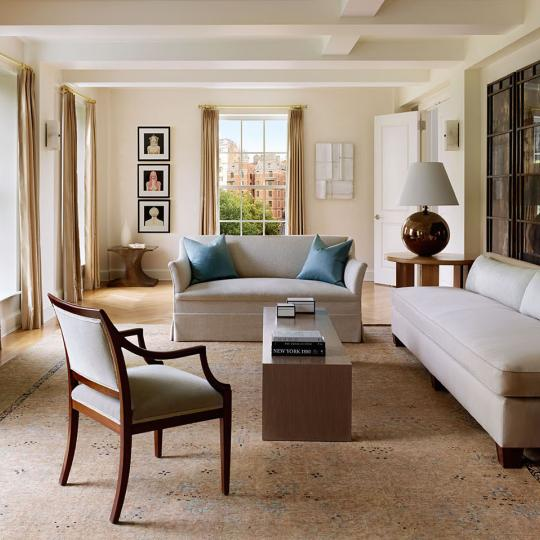 18 Gramercy Park Living room - Condos in Flatiron District for Sale