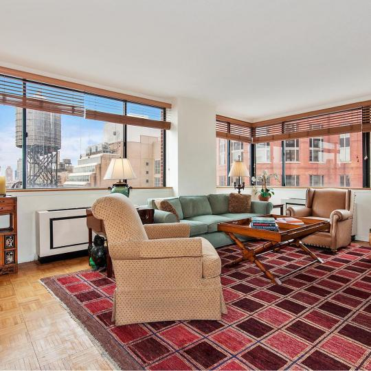 45 West 67th Street - living room - Manhattan Luxury Condos