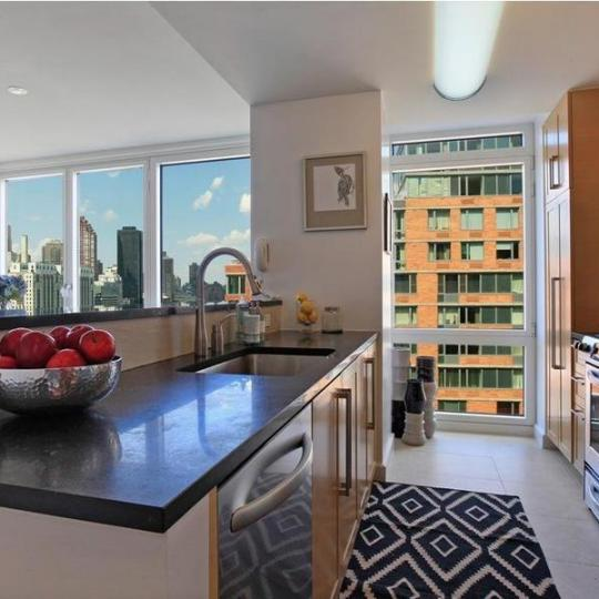 415 Main Street kitchen appliances - NYC Condos for Sale