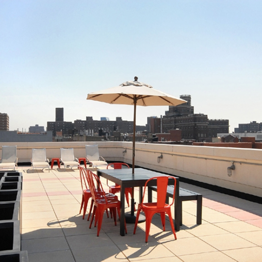 Roof dock - The Savoy West - Harlem Apartments For Sale
