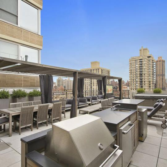 Open Views from the Rooftop Deck at 408 East 79th Street