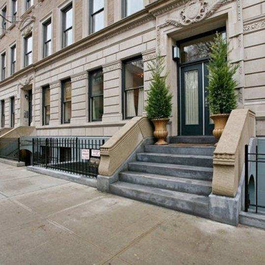 Exterior - 422 West 20th Street - Chelsea