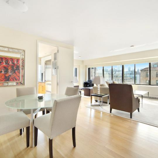 Livingroom - 900 Park Avenue - Apartment for Sale