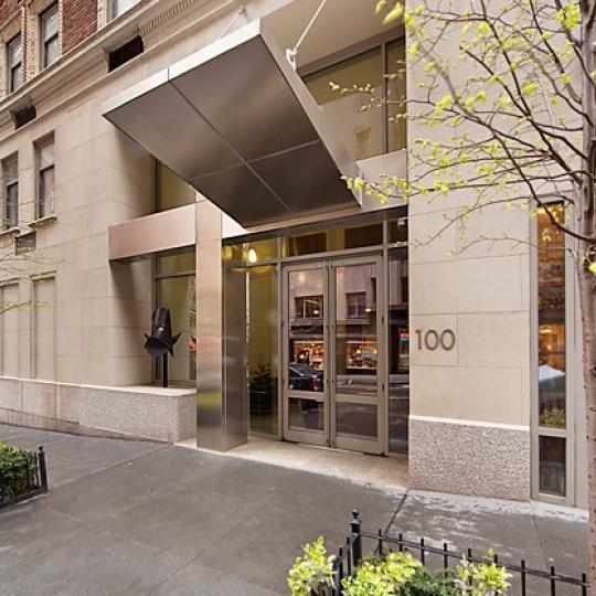 Manhattan New York Studio Apartments: 100 West 58th Street