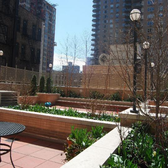 Apartments for sale at 170 East 87th Street - Garden