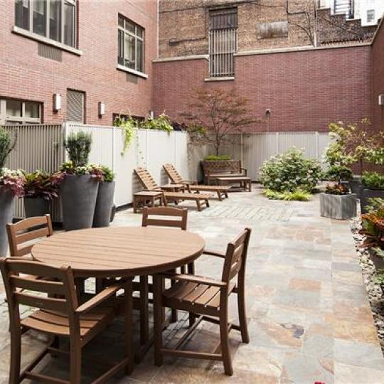 Apartments for sale at Verde Chelsea in Manhattan - Garden
