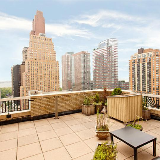 Greenwich Club Residences View – New Condos for Sale NYC