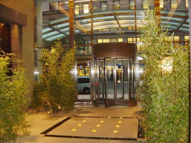 325 Fifth Avenue Lobby – Manhattan Condos for Sale