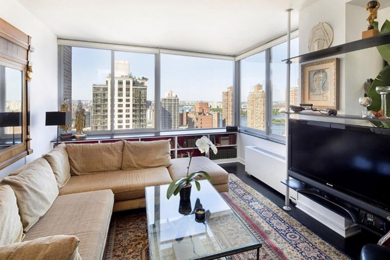 Livingroom at 360 East 88th Street in NYC