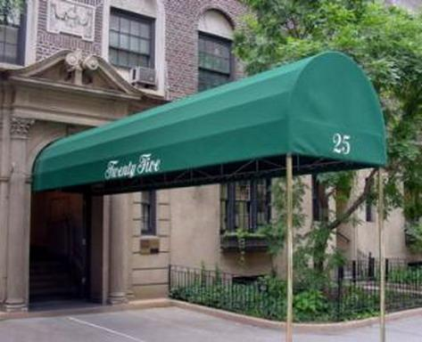25 Fifth Avenue Entrance – Greenwich Village NYC Condominiums