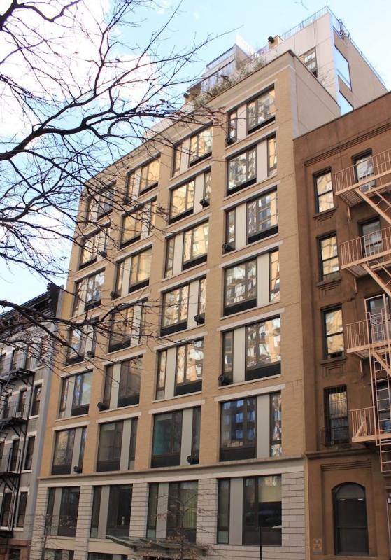 Building - 212 East 95th Street - Upper East Side