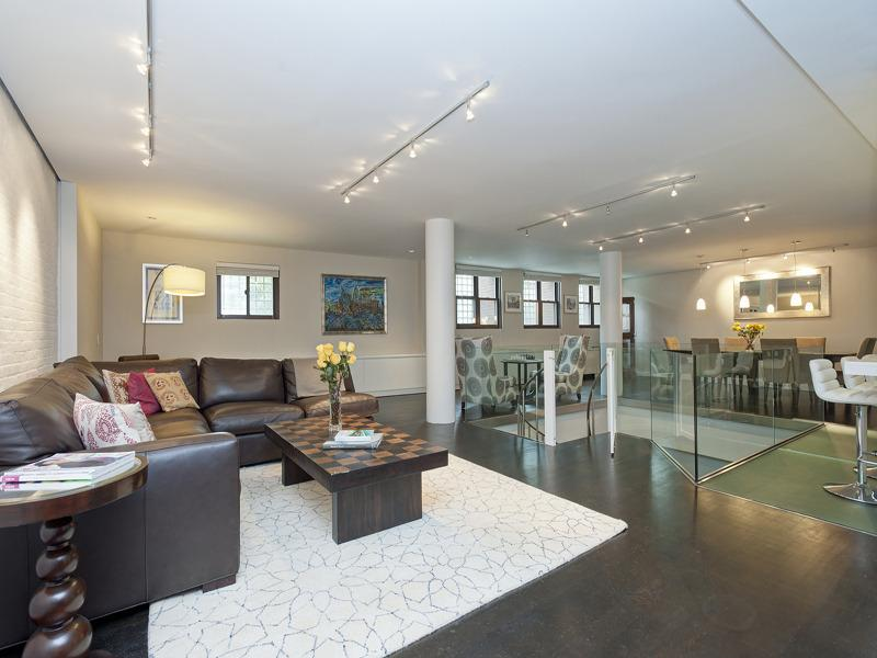 28 Old Fulton Street Condos for Sale - Livingroom