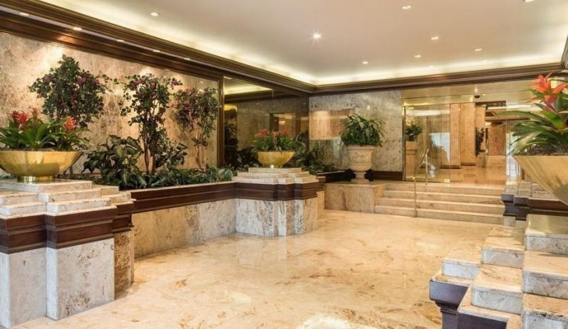 Apartments for sale at Trump Parc in Central Park South - Lobby