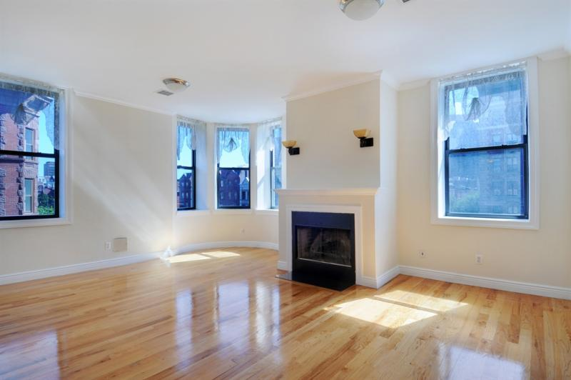 View of the livingroom - The Normandie - Harlem Apartments For Sale