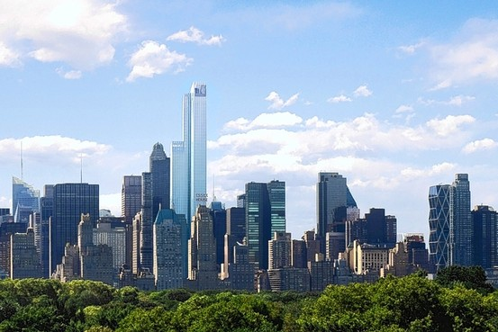 Manhattan luxury condo prices are on the rise