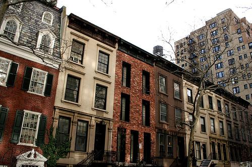 Manhattan townhouse makeovers restoration or revision for Townhouses for sale in manhattan ny